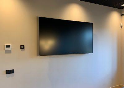 Van-brienen-av-scherm-vergaderzaal-regus