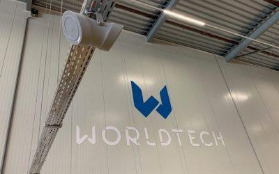 Installatie achtergrondmuziek systeem voor Worldtech Schiphol